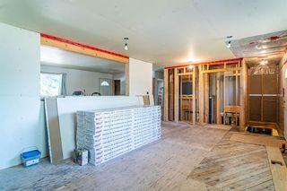 Photo 11: 204 Foritana Road SE in Calgary: Forest Heights Detached for sale : MLS®# A1116500