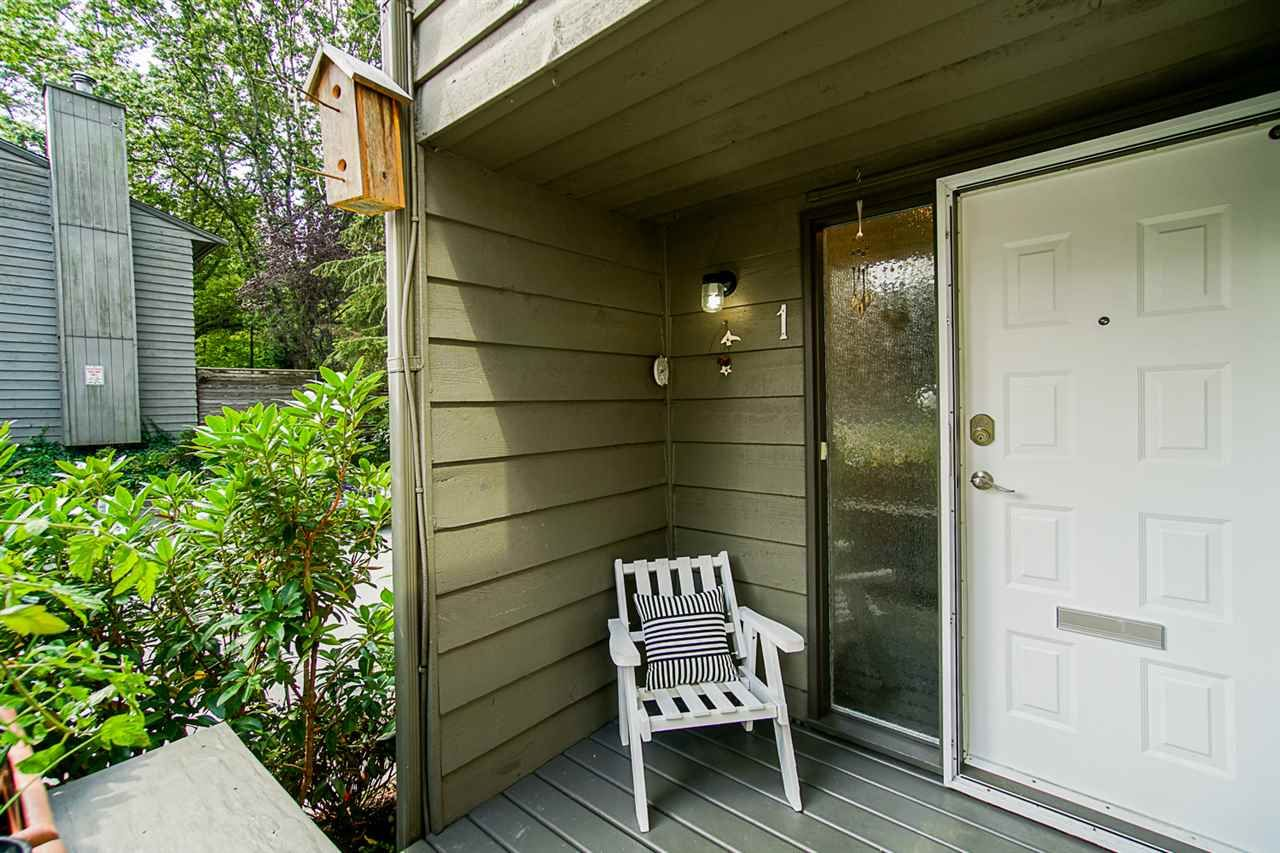 """Photo 2: Photos: 1 1960 RUFUS Drive in North Vancouver: Westlynn Townhouse for sale in """"Mountain Estates"""" : MLS®# R2487288"""