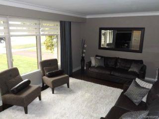 Photo 4: 425 Greenacre Boulevard in WINNIPEG: Westwood / Crestview Residential for sale (West Winnipeg)  : MLS®# 1321784