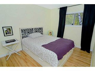 Photo 10: 656 84 Avenue SW in Calgary: Haysboro Residential Detached Single Family for sale : MLS®# C3637895