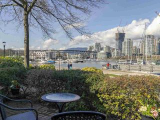 """Photo 1: 1046 IRONWORK Passage in Vancouver: False Creek Townhouse for sale in """"SPRUCE VILLAGE"""" (Vancouver West)  : MLS®# R2253346"""