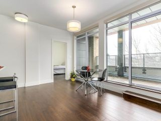 """Photo 9: 314 2250 COMMERCIAL Drive in Vancouver: Grandview VE Condo for sale in """"Marquee on Commercial"""" (Vancouver East)  : MLS®# R2154734"""