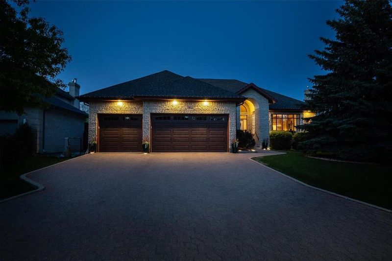 FEATURED LISTING: 103 River Pointe Drive Winnipeg