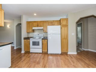 """Photo 7: 220 15153 98 Avenue in Surrey: Guildford Townhouse for sale in """"Glenwood Villiage"""" (North Surrey)  : MLS®# R2246707"""