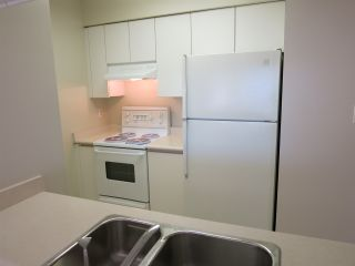 """Photo 10: 316 4990 MCGEER Street in Vancouver: Collingwood VE Condo for sale in """"CONNAUGHT"""" (Vancouver East)  : MLS®# R2141317"""