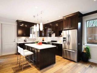 Photo 3: 640 W 15TH Street in North Vancouver: Hamilton 1/2 Duplex for sale : MLS®# V1041139
