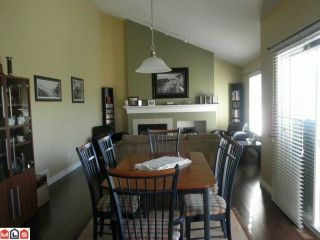 Photo 2: 71 16995 64TH Avenue in Surrey: Cloverdale BC Condo for sale (Cloverdale)  : MLS®# F1225261