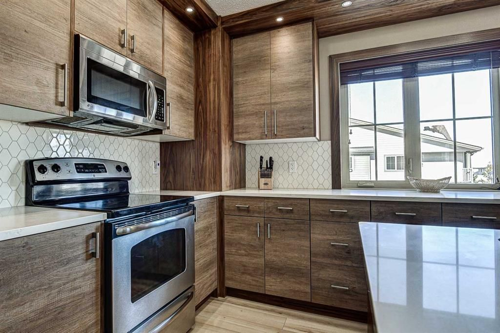 Photo 21: Photos: 230 EVERSYDE Boulevard SW in Calgary: Evergreen Apartment for sale : MLS®# A1071129