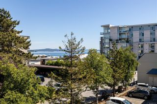 Photo 1: 207 9805 Second St in : Si Sidney North-East Condo for sale (Sidney)  : MLS®# 877301