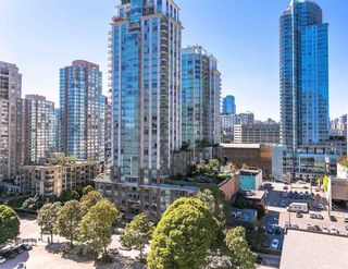 "Main Photo: 1208 833 HOMER Street in Vancouver: Downtown VW Condo for sale in ""Atelier"" (Vancouver West)  : MLS®# R2305528"