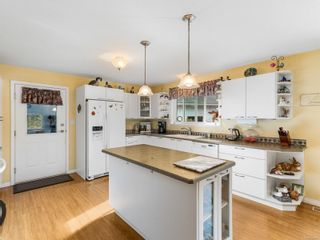 Photo 3: 1356 MEADOWOOD Way in : PQ Qualicum North House for sale (Parksville/Qualicum)  : MLS®# 869681