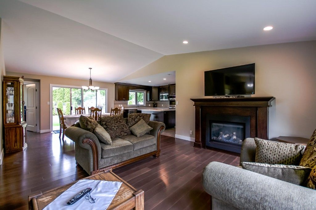 Photo 13: Photos: 4369 200a Street in Langley: Brookswood House for sale : MLS®# R2068522