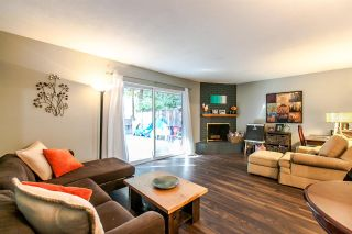 Photo 5: 2345 MOUNTAIN HIGHWAY in North Vancouver: Lynn Valley Townhouse for sale : MLS®# R2114442