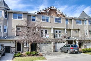 Photo 2: 306 Inglewood Grove SE in Calgary: Inglewood Row/Townhouse for sale : MLS®# A1098297