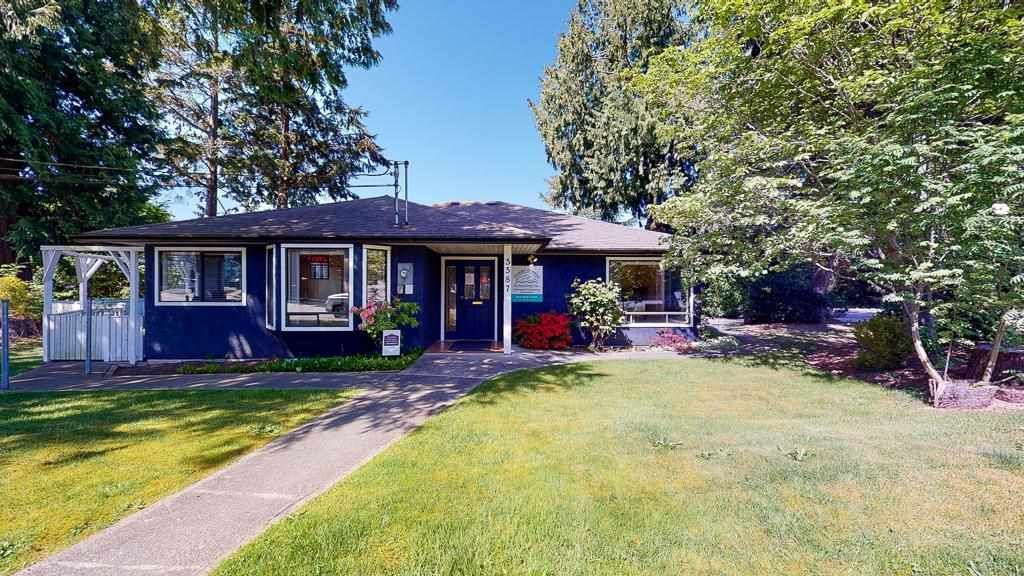 This home is zoned C5 for business use and was converted from a 3 bed/1.5 bath home.