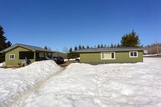 """Photo 14: 7255 WOODMERE Road in Smithers: Smithers - Rural Manufactured Home for sale in """"WOODMERE"""" (Smithers And Area (Zone 54))  : MLS®# R2438178"""