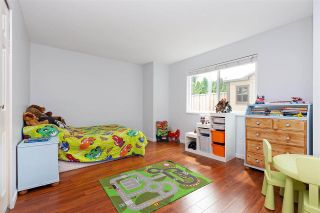 "Photo 15: 6 5501 LADNER TRUNK Road in Delta: Hawthorne Townhouse for sale in ""Sycamore Court"" (Ladner)  : MLS®# R2402042"