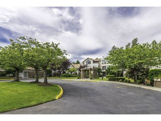 "Photo 2: 304 15991 THRIFT Avenue: White Rock Condo for sale in ""THE ARCADIAN"" (South Surrey White Rock)  : MLS®# R2426777"
