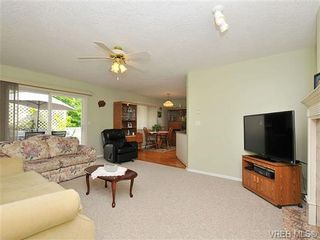 Photo 11: 4570 Viewmont Avenue in VICTORIA: SW Royal Oak Residential for sale (Saanich West)  : MLS®# 328125