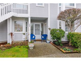 "Photo 2: 805 9139 154 Street in Surrey: Fleetwood Tynehead Townhouse for sale in ""Lexington Square"" : MLS®# R2431673"