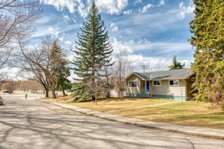 Photo 2: 11 Calandar Road NW in Calgary: Collingwood Detached for sale : MLS®# A1091060