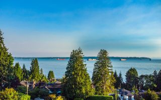 Photo 1: 2633 LAWSON Avenue in West Vancouver: Dundarave House for sale : MLS®# R2616423