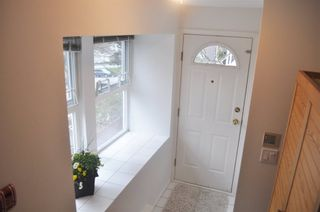 Photo 3: 216 3709 PENDER STREET in Burnaby North: Home for sale : MLS®# R2152481