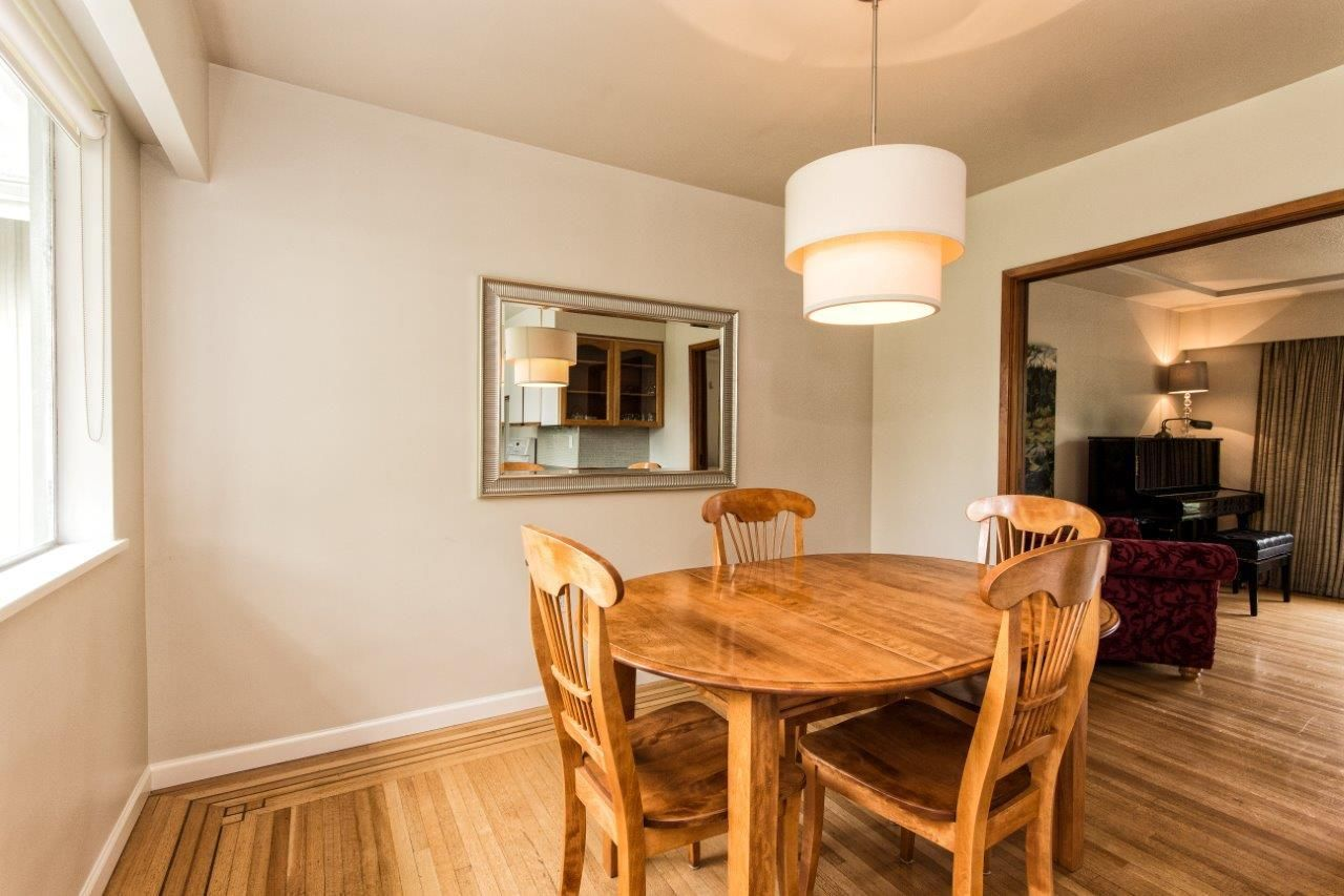 """Photo 15: Photos: 915 E 13TH Street in North Vancouver: Boulevard House for sale in """"Grand Boulevard"""" : MLS®# R2535688"""