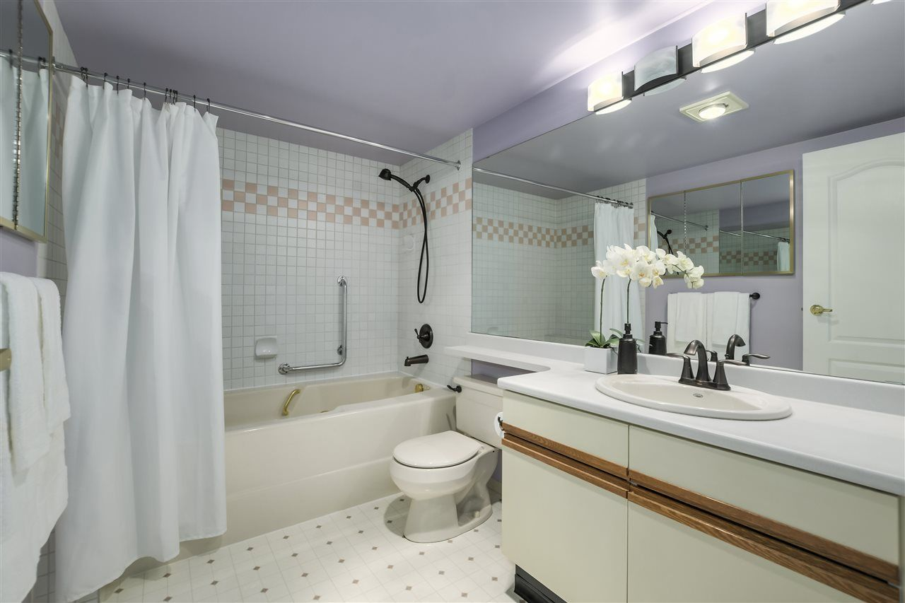 """Photo 11: Photos: 304 7580 MINORU Boulevard in Richmond: Brighouse South Condo for sale in """"CARMEL POINT"""" : MLS®# R2369650"""