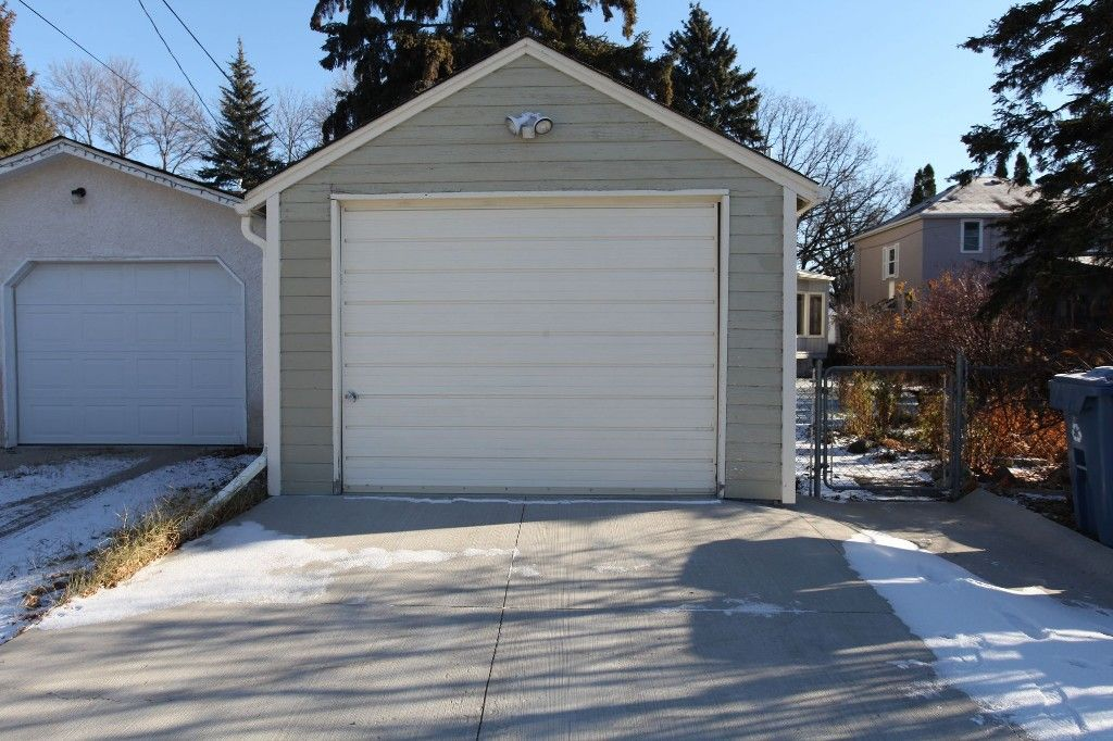Photo 50: Photos: 125 Lindsay Street in WINNIPEG: River Heights Single Family Detached for sale (South Winnipeg)  : MLS®# 1427795