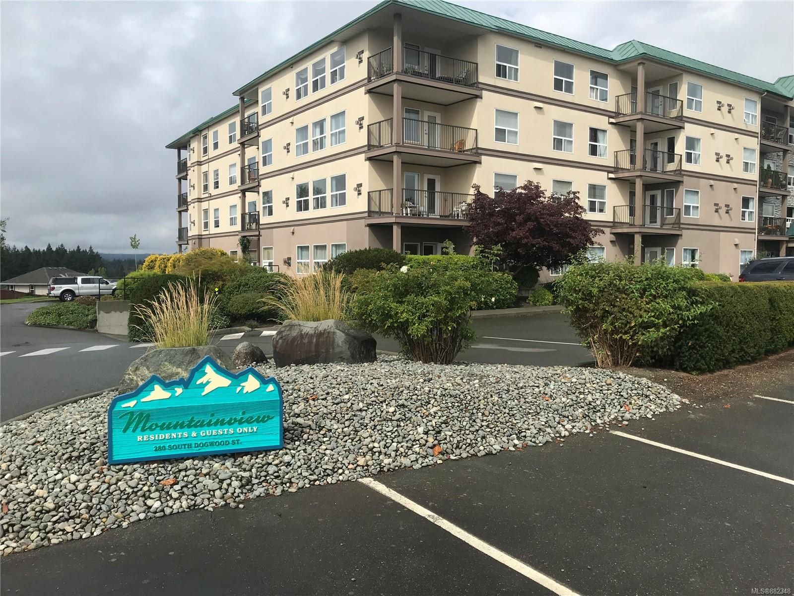Main Photo: 104 280 S Dogwood St in : CR Campbell River Central Condo for sale (Campbell River)  : MLS®# 882348