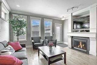 Photo 3: 2015 48 Avenue SW in Calgary: Altadore Detached for sale : MLS®# A1103341