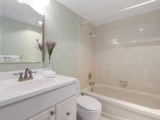 """Photo 11: 304 1740 COMOX Street in Vancouver: West End VW Condo for sale in """"The Sandpiper"""" (Vancouver West)  : MLS®# R2178648"""