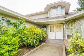 """Photo 4: 12428 63A Avenue in Surrey: Panorama Ridge House for sale in """"Boundary Park"""" : MLS®# R2577926"""