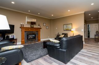Photo 6: 6870 199A Street in Langley: Willoughby Heights House for sale : MLS®# R2231673