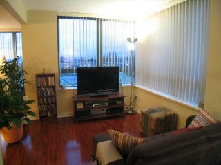 """Photo 5: 404 6659 Southoaks Crescent, South Burnaby in Burnaby: Highgate Condo for sale in """"Gemini II"""" (Burnaby North)"""
