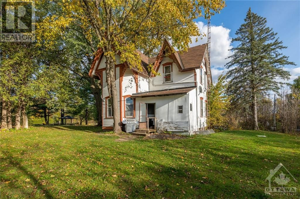 Main Photo: 2800 PIERCE ROAD in North Gower: Agriculture for sale : MLS®# 1215720