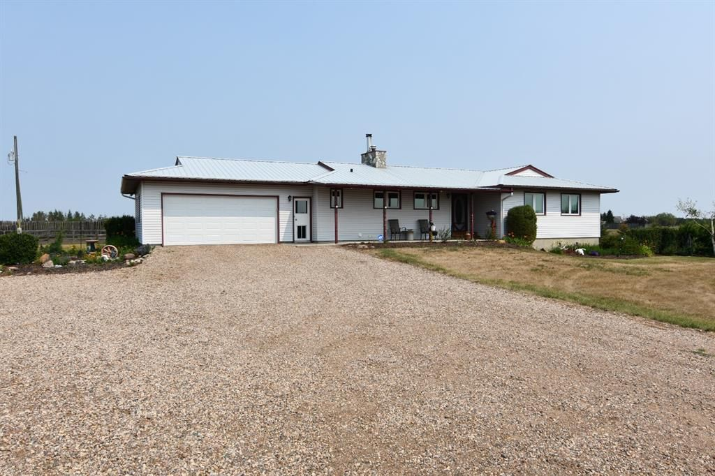 Main Photo: 11120 Highway 12 in Rural Paintearth No. 18, County of: Rural Paintearth County Detached for sale : MLS®# A1135764
