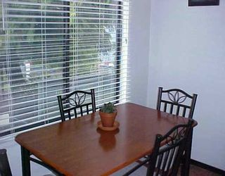 """Photo 5: 4 306 HIGHLAND WY in Port Moody: North Shore Pt Moody Townhouse for sale in """"HIGHLAND PARK"""" : MLS®# V571371"""