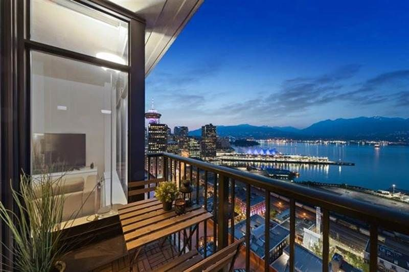 "Main Photo: 4102 128 W CORDOVA Street in Vancouver: Downtown VW Condo for sale in ""WOODWARDS"" (Vancouver West)  : MLS®# R2415253"