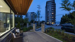"""Photo 3: 2173 ARGYLE Avenue in West Vancouver: Dundarave Townhouse for sale in """"The Marson"""" : MLS®# R2597720"""