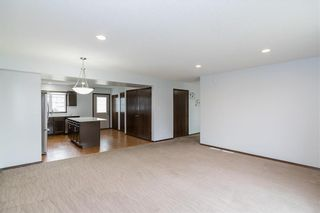 Photo 6: 307 Brookfield Crescent in Winnipeg: Bridgwater Lakes Residential for sale (1R)  : MLS®# 202118343