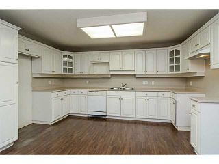 """Photo 2: 101 17730 58A Avenue in Surrey: Cloverdale BC Condo for sale in """"Derby Downs"""" (Cloverdale)  : MLS®# F1450852"""