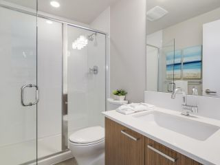 """Photo 14: 302 1330 MARINE Drive in North Vancouver: Pemberton NV Condo for sale in """"The Drive"""" : MLS®# R2208015"""
