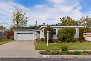 Photo 1: SERRA MESA House for sale : 3 bedrooms : 8928 Geraldine Ave in San Diego