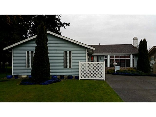 """Main Photo: 5445 48A Avenue in Ladner: Hawthorne House for sale in """"HAWTHORNE"""" : MLS®# V1117318"""