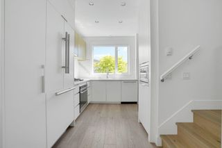Photo 3: TH2 2433 W BROADWAY Street in Vancouver: Kitsilano Townhouse for sale (Vancouver West)  : MLS®# R2605228