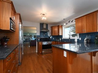 Photo 8: 3389 Mary Anne Cres in Colwood: Co Triangle House for sale : MLS®# 855310