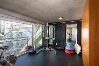 """Photo 8: 305 1540 W 2ND Avenue in Vancouver: False Creek Townhouse for sale in """"WATERFALL"""" (Vancouver West)  : MLS®# R2446615"""
