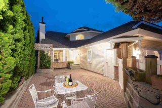 Photo 2: 16 PARKDALE Place in Port Moody: Heritage Mountain House for sale : MLS®# R2592314